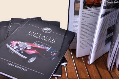 O livro do MP Lafer é fartamente ilustrado e seu acabamento combina qualidade de material com processos semi-artesanais de confecção.