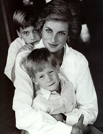 pictures princess diana dead body. Lady+diana+accident+car