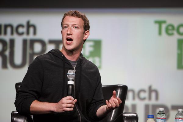 مارك زوكربيرغ يرد على قرار حظر الإنترنت المجاني