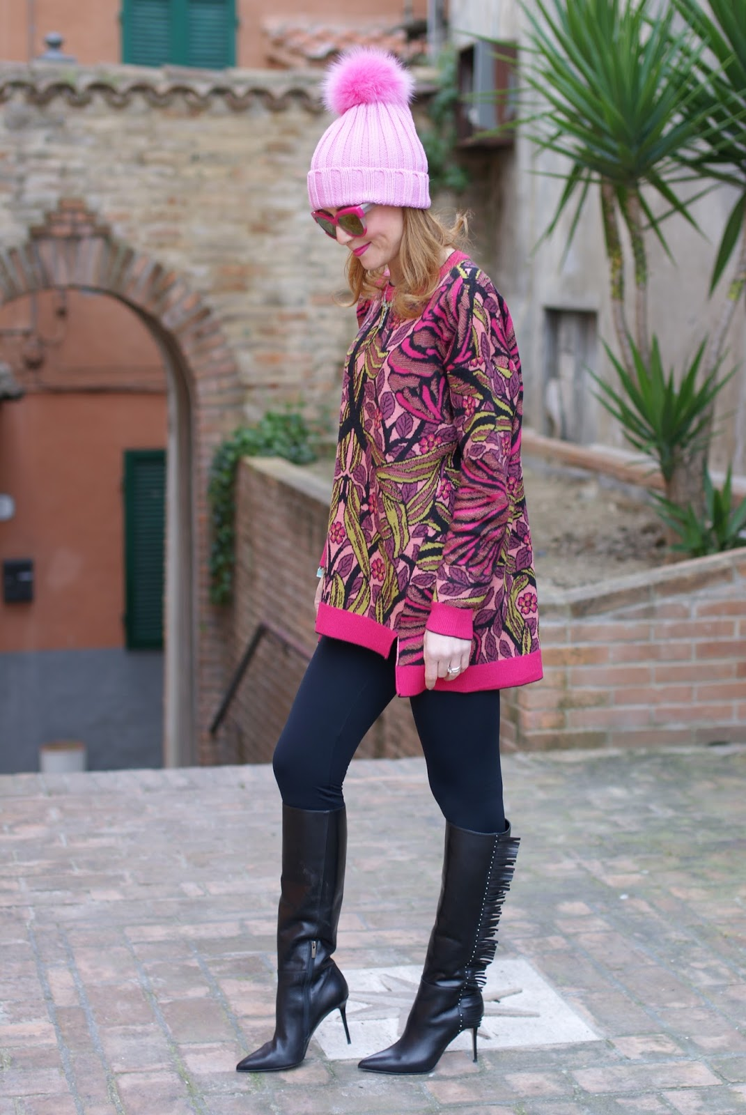 Pink beanie with furry pom-pon and Le Silla fringed boots, Calzedonia leggings and Max Mara ascoli sweater on Fashion and Cookies fashion blog, fashion blogger style