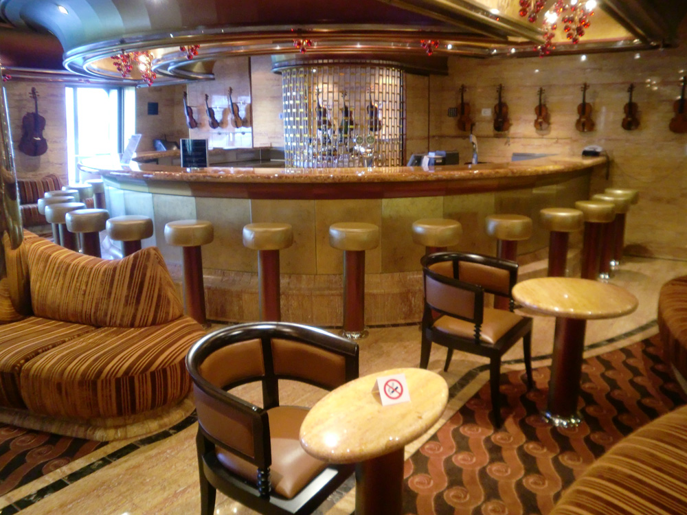 Descubre el mundo en crucero costa serena y costa pacifica for Costa pacifica piano nave