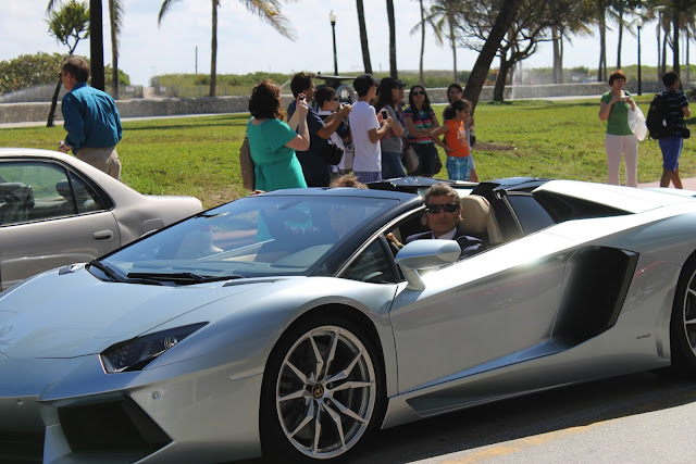 Lamborghini Aventador Roadster Takes Over South Beach in Miami