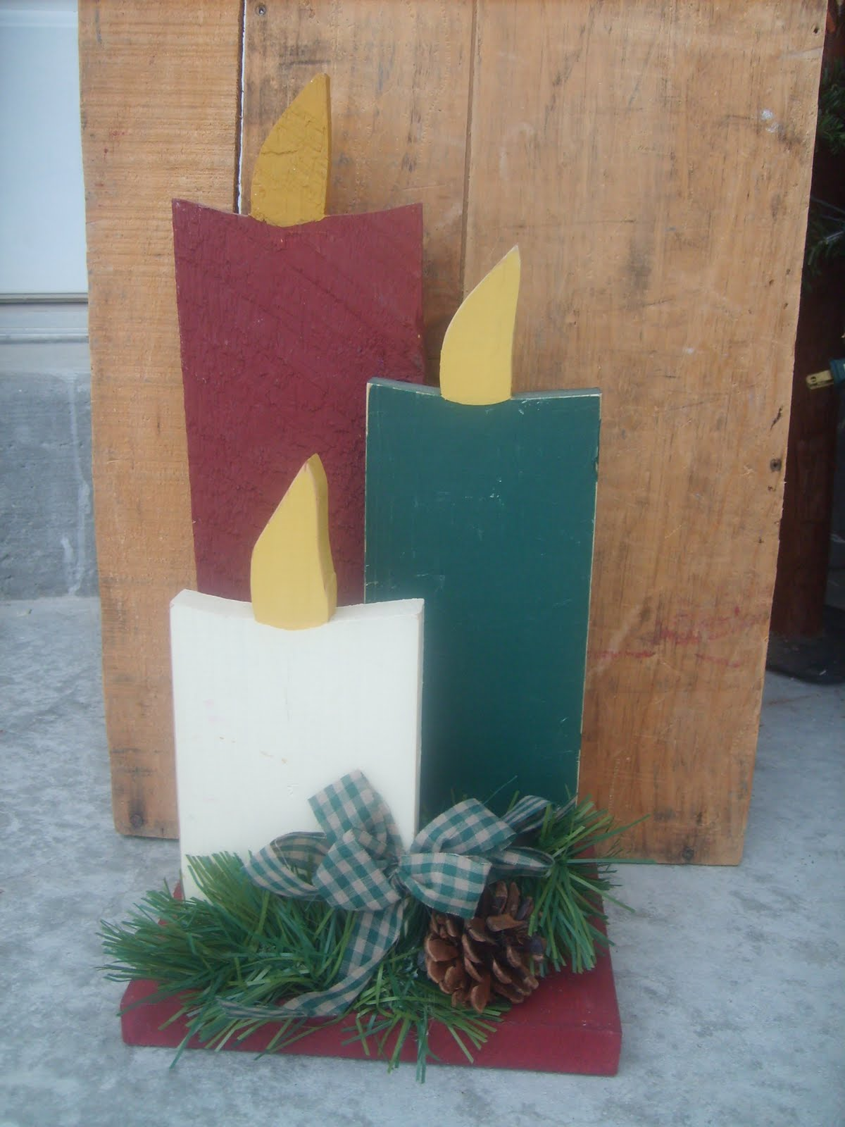 Craft critters wooden candles for Wooden christmas crafts to make