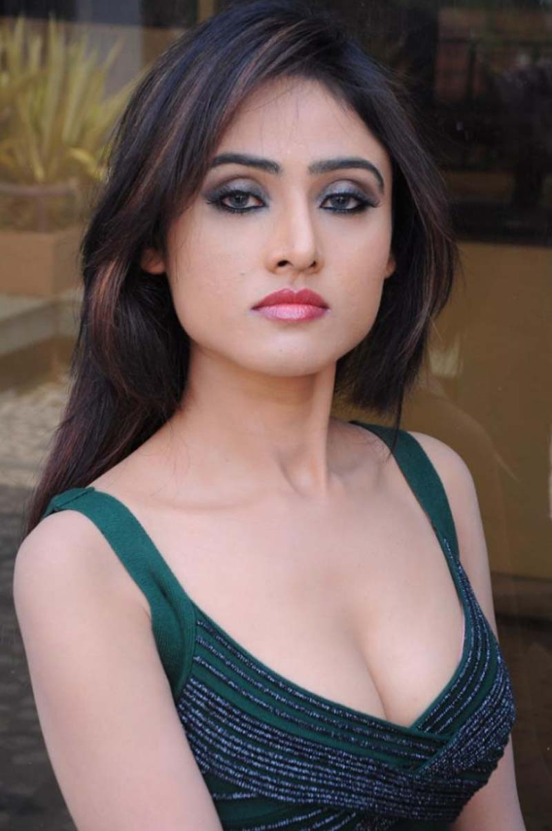 Sony charishta hot cleavage show photos hot blog photos for Hot images blog
