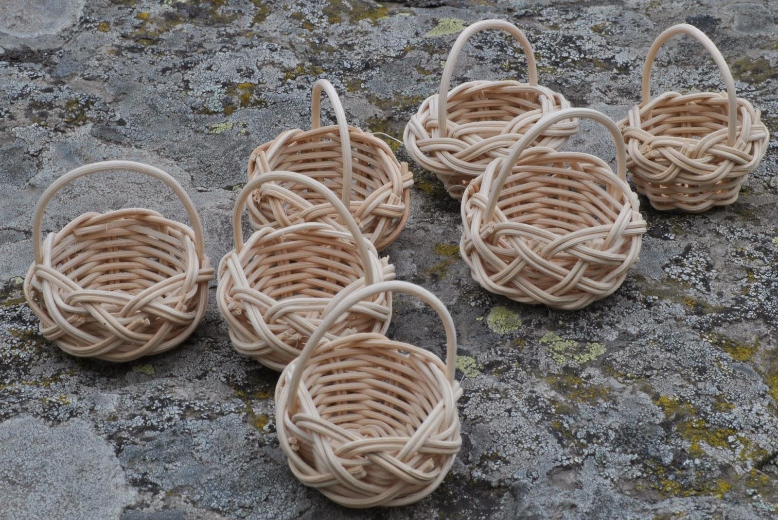 El cuevano artesan a de laciana trabajos de cester a - Cestas de mimbre para bebes ...
