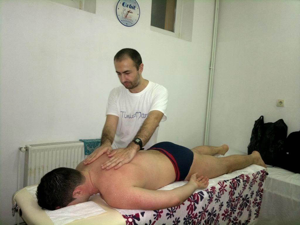 Maratonul ca stil de viaţă. Interviu în ziarul Renaşterea Bănăţeană despre recordul de masaj la Maratonul de Înot Masters şi Timotion. Timişoara se mişcă. Masaj