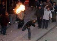 احراق منازل لاقباط خلال صدامات مع مسلمين في بلدة قريبة من القاهرة