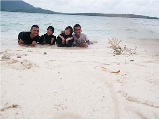 Pulau kecil karimunjawa