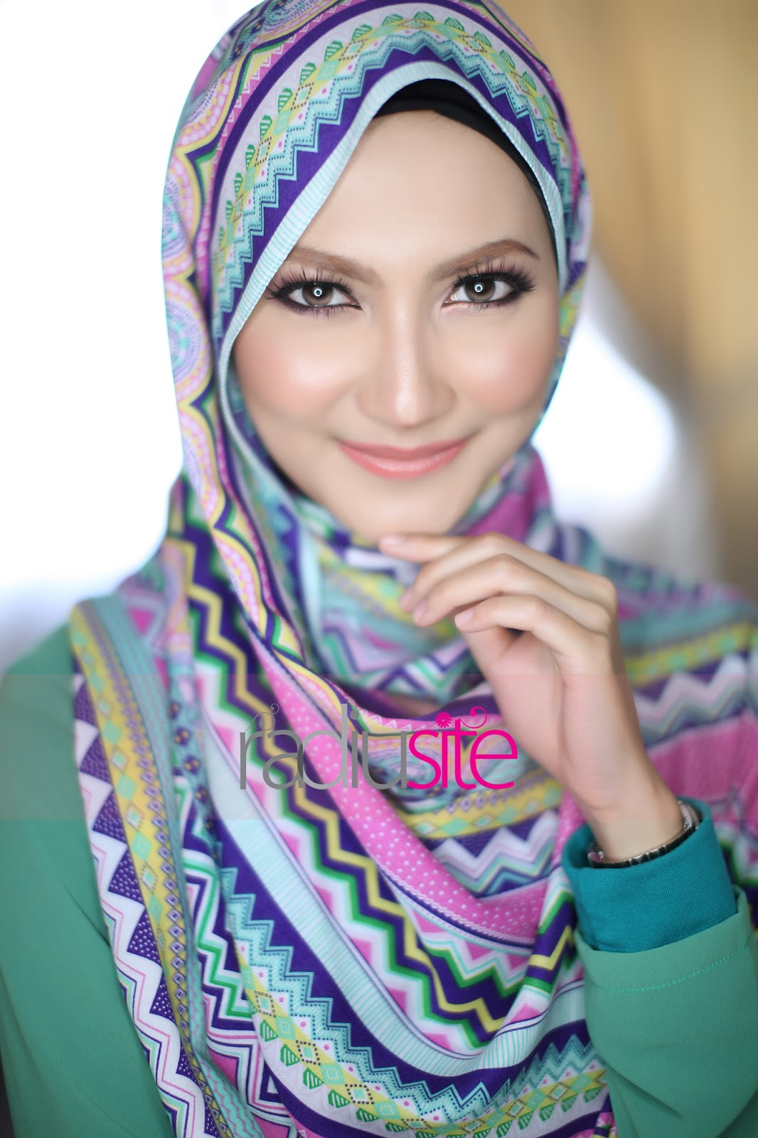 Radiusite Shawl http://www.radiusite.com/2013/03/tomorrow-shawl-adra-3-march-2013-11-am.html