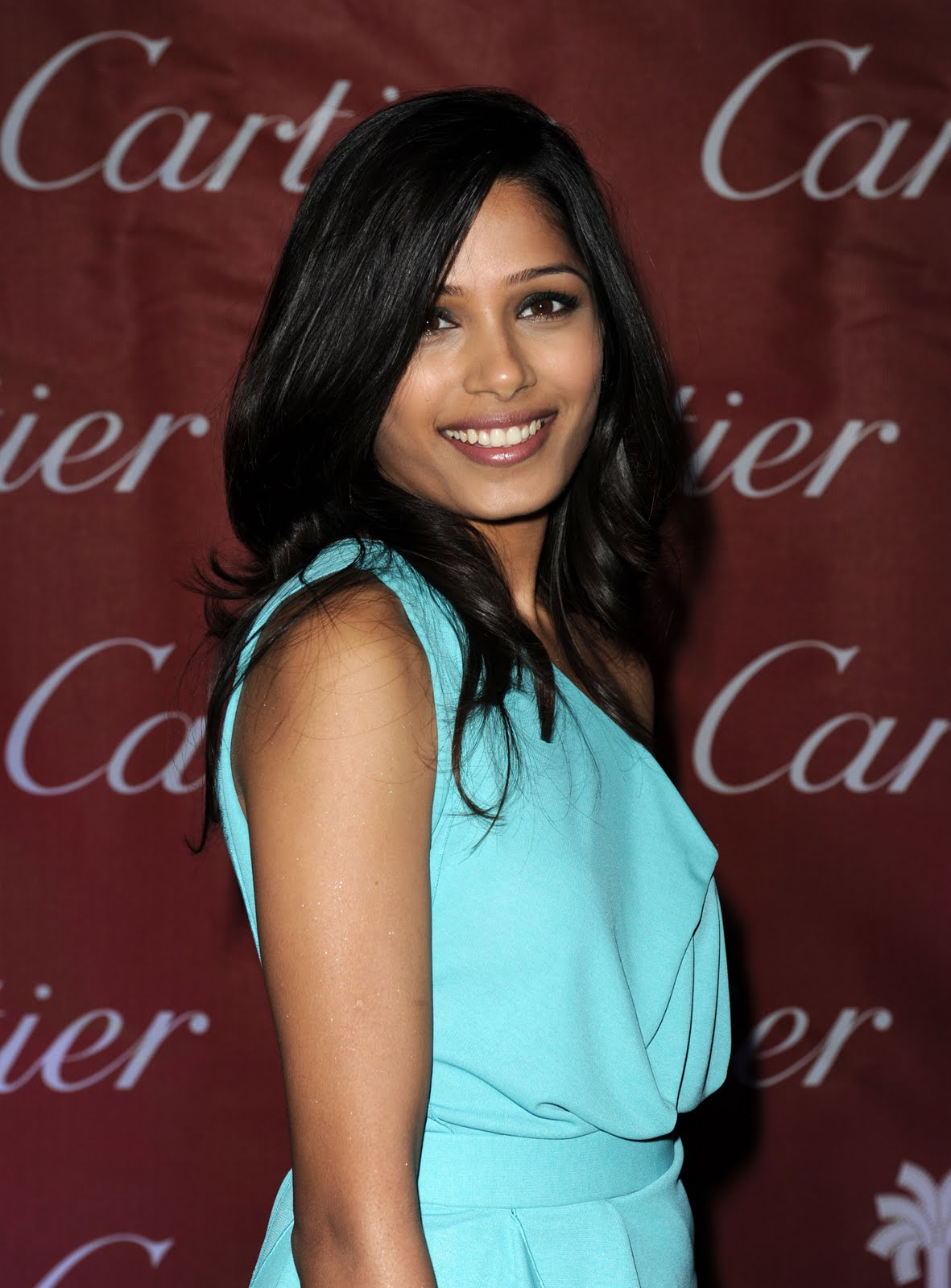 charming freida pinto photos 05