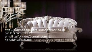 Jual mebel jepara,sofa klasik jepara Mebel furniture klasik jepara jual set sofa tamu ukir sofa tamu jati sofa tamu antik sofa jepara sofa tamu duco jepara furniture jati klasik jepara SFTM-33038 sofa klasik jepara mebel classic eropa