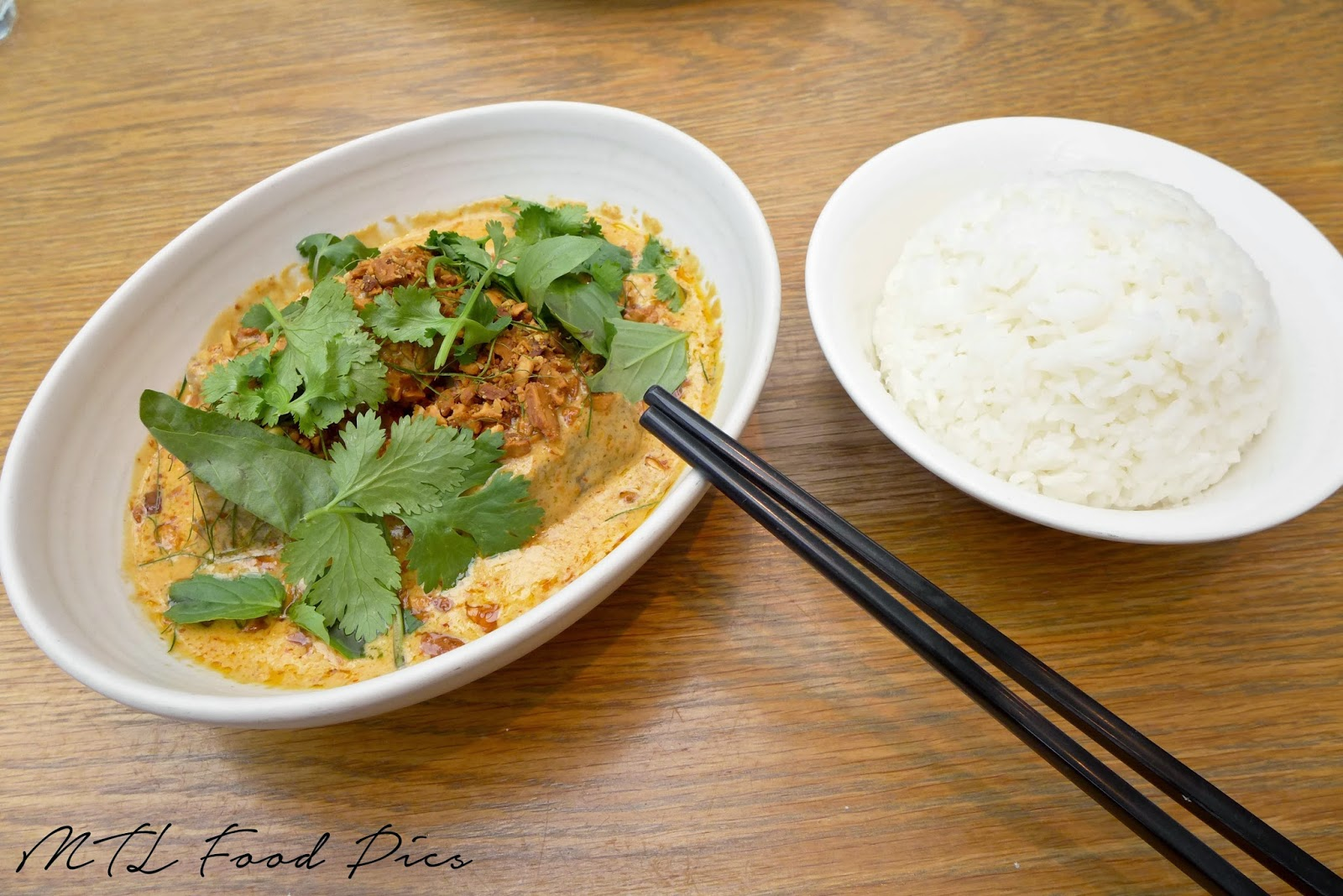 Braised Beef Short Ribs with Jasmine Rice - Thai food Ottawa