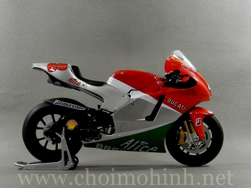Mô hình MotoGP 500cc Ducati Desmosedici Mugello 1:9 Protar