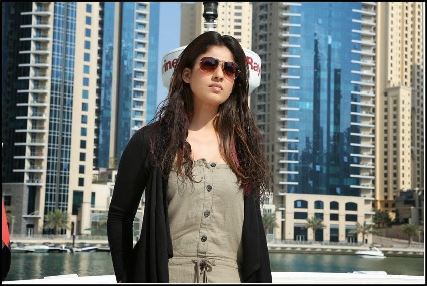 Nayanthara hot photo gallery from aarambam movie