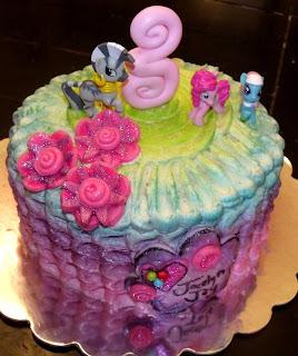 Hot Pink Cakes April 2013