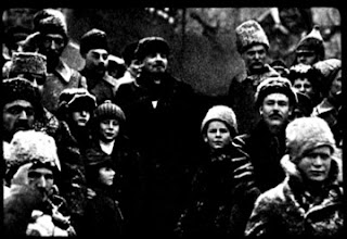 Leon Trotsky, Lev Kamenev, Artemy Khalatov & a 4th person are gone after being removed from a photo
