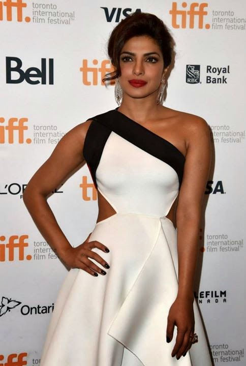 Priyanka-Chopra-in-White-Gown