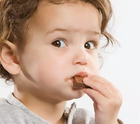 Nguyên nhân gây sâu răng ở trẻ nhỏ