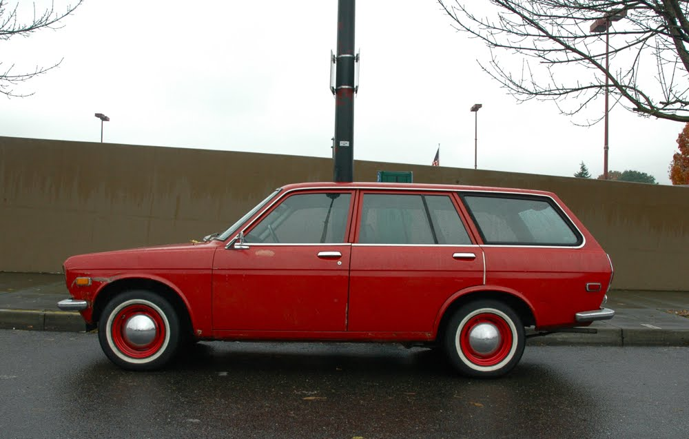 OLD PARKED CARS.: 1972 Datsun 510 wagon.