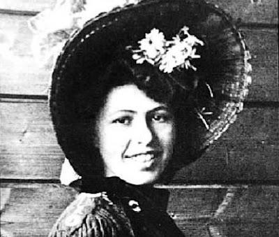 sophie-taeuber-arp-biografi-dan-hari-lahir-ke127