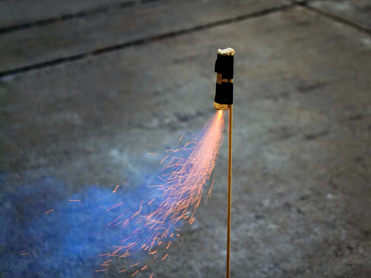 How To Make A Rocket That Can Shoot 700 Metres Using Sugar And Kitty Litter