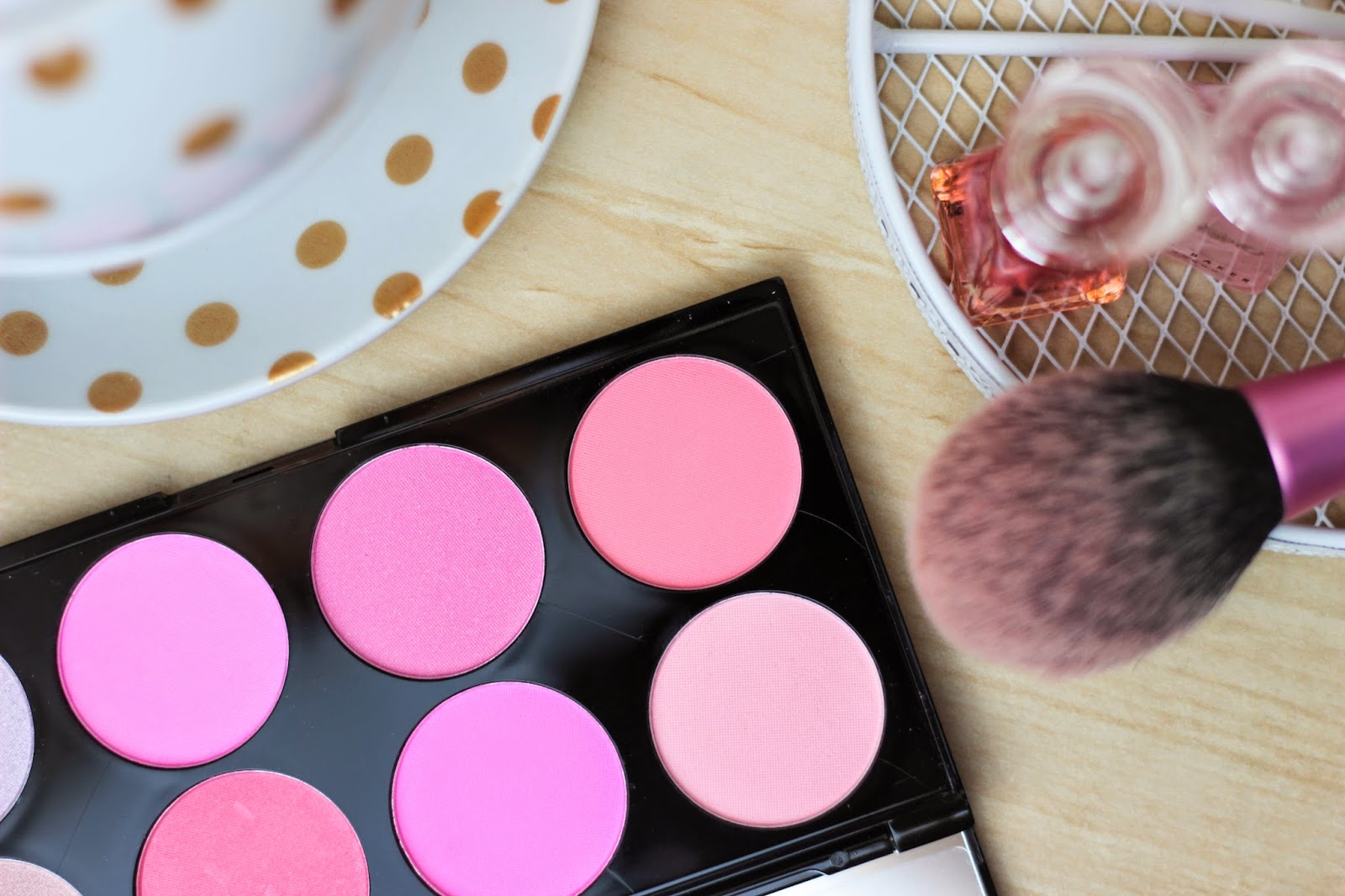 Makeup Revolution Ultra Blush Palette All About Pink Charley Lucy Make Up If You Read Yesterdays Post The In Golden Sugar Youll Know That I Criticised Its Lack Of Bright Matte