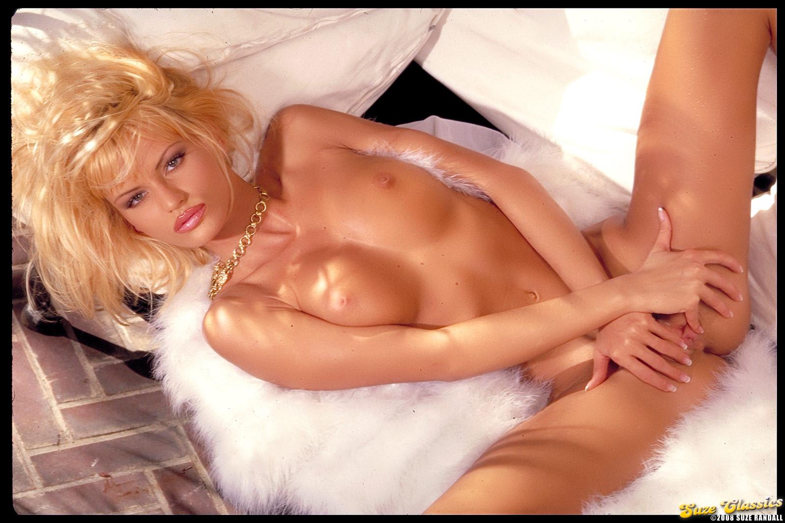seks-smotri-anita-blond
