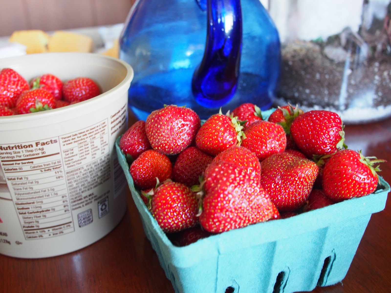 strawberry moon - HD1600×1200