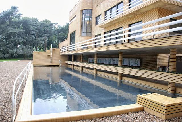 le blog des amis de la villa cavrois la piscine. Black Bedroom Furniture Sets. Home Design Ideas