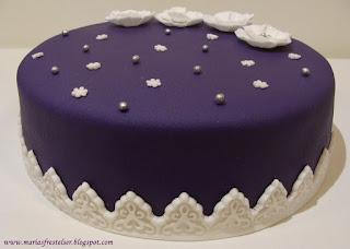 Blommig tårta