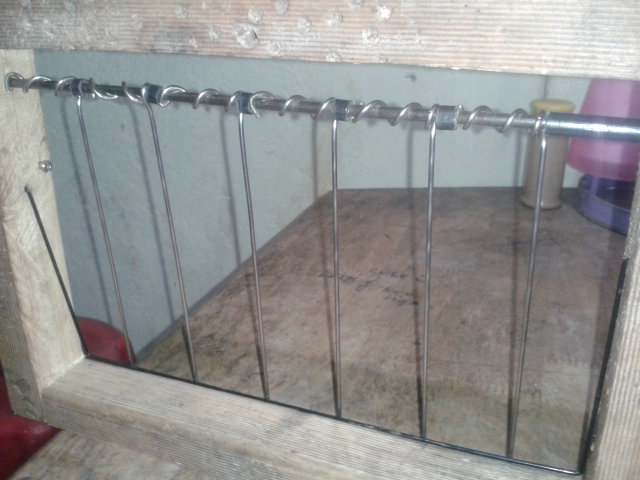 Here our home made trap door for 3rd pigeon house. & Raising Pigeon: Cages and House with Loft inside Pezcame.Com