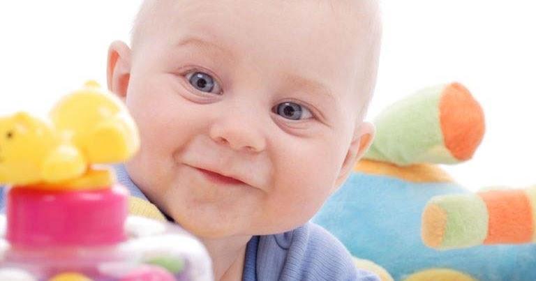 Embarazo paso a paso juego para bebes de 1 a o for Jardineira bebe 1 ano