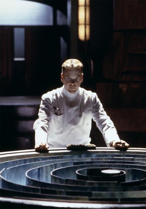 Kiefer Suther as Dr. Schreber Dark City 1998 movieloversreviews.blogspot.com