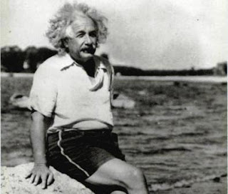 Albert Einstein e il suo passaporto albanese