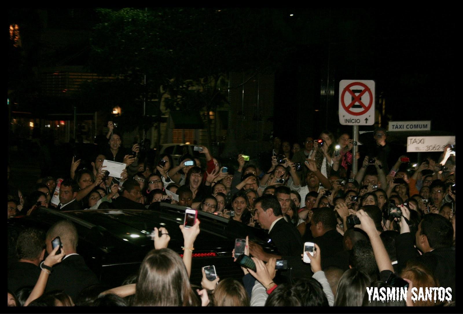 http://1.bp.blogspot.com/-WiVZ1gGVaco/T8jtT4JnMkI/AAAAAAAABL0/Mu6TLR_Lw_s/s1600/Ian+no+Brasil+2.jpg
