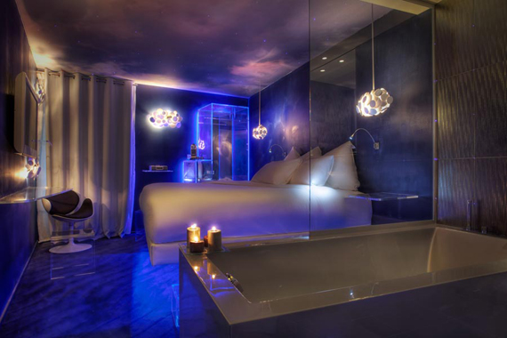 design concept hotel le seven paris ibnushukran. Black Bedroom Furniture Sets. Home Design Ideas
