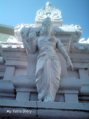 Dayanand Ashram Temple Architecture in Rishikesh