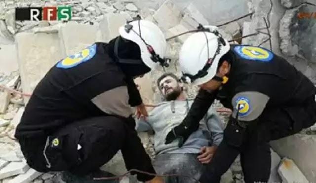 3-2-1 μοτέρ, πάμε! Τραυματίας-μαϊμού σε παραμυθένια ισλαμοδιάσωση στο Χαλέπι; Χαμός με το σήμα του σκηνοθέτη