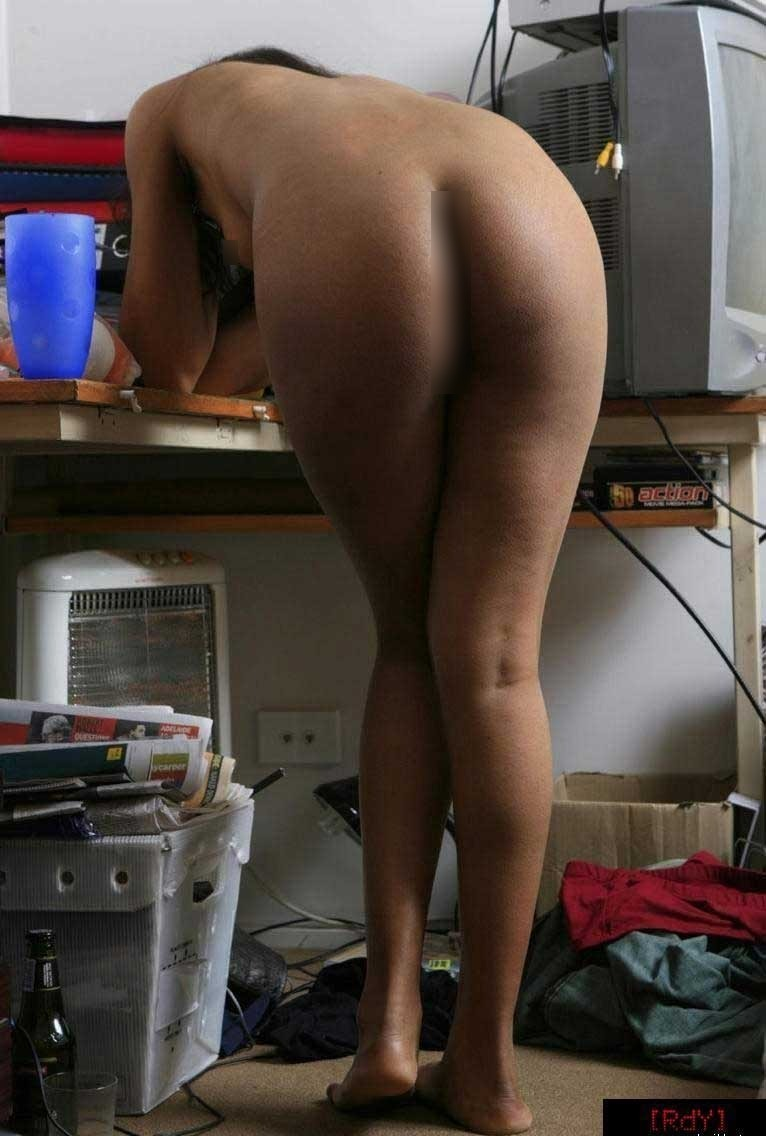 sexy nude round ass college girl
