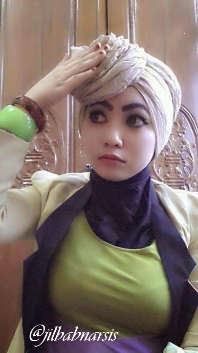 Foto Cewek Memakai Jilbab Cantik dan Seksi BncZfdoCUAAADoq