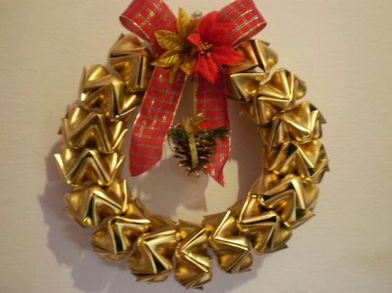 DIY Plastic Bottles Wreath