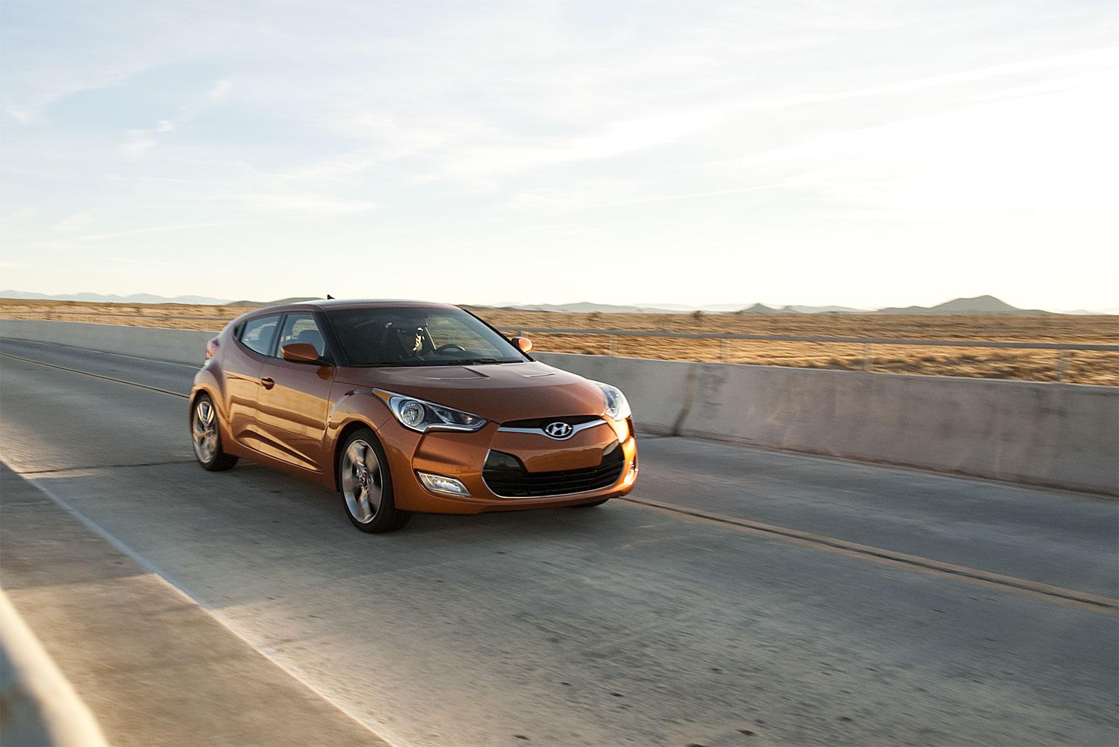http://1.bp.blogspot.com/-WjW4MRw-BLE/T-FdqyBG_eI/AAAAAAAADqQ/iIippxPObno/s1600/Hyundai+Veloster+hd+Wallpapers+2012_3.jpg