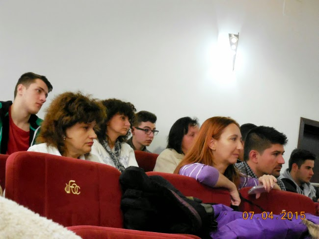 atentie in sala