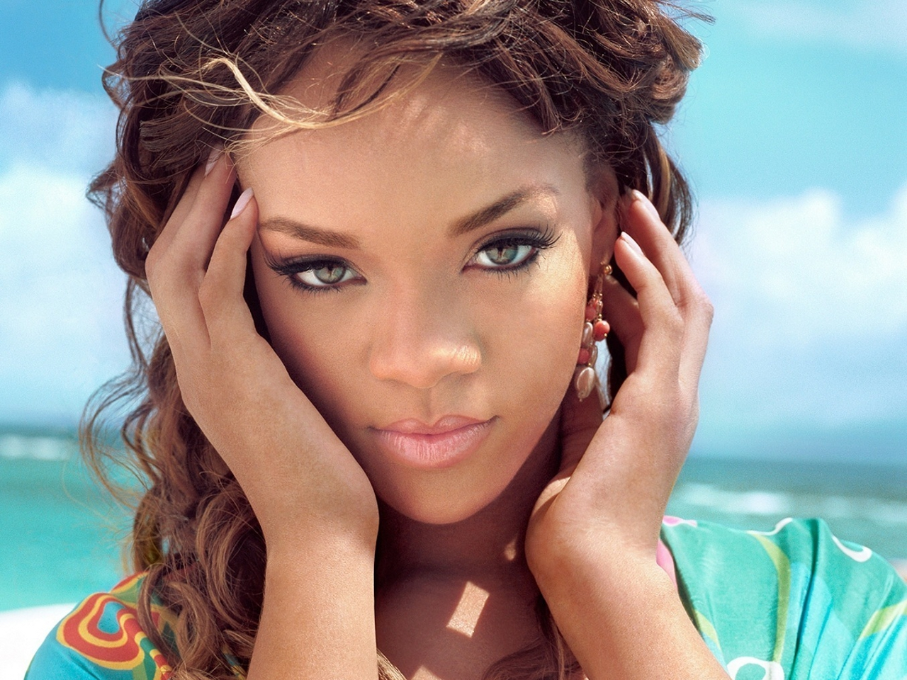 Think Akwa Ibom!: Rihanna: Why I still love Chris Brown Rihanna