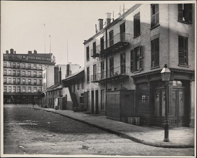 Allerdings Sieht Mir Der Jetzige Platzhalter Zu Modern Aus, Um Noch  Dasselbe Gebäude Wie Auf Dem 1900er Foto Zu Sein: