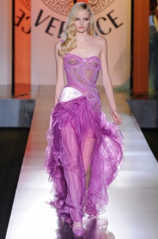 Atelier-Versace-Fall-2012-Couture-Collection