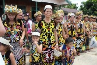 Viva.!! Semayang.!!: Pakaian Adat Dayak Kenyah yang Minim ...