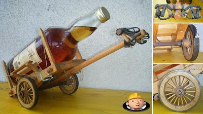 Carro de bois em miniatura