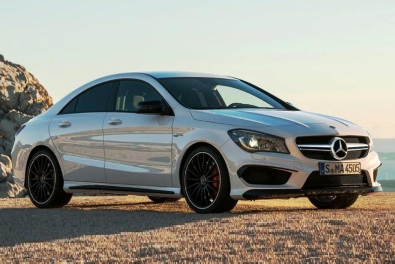 Mercedes benz cla 45 amg majalah otomotif online for Mercedes benz online