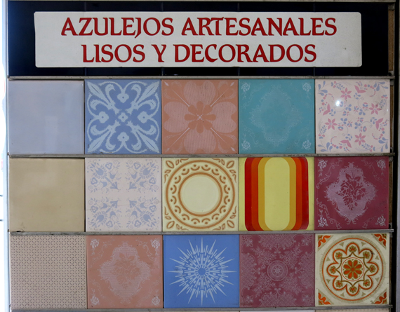Tendenciosa el deco safari nos llev al para so del for Azulejos artesanales